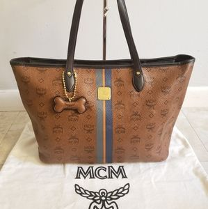 100% Mcm authentic shopper tote with bone charm